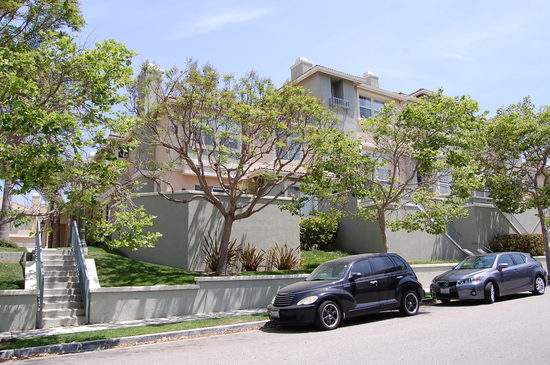 Just Leased Beautiful 2/2 Town home