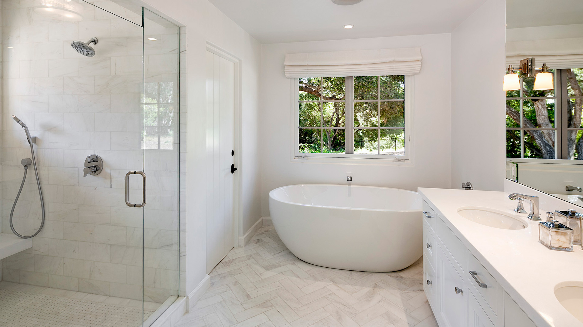 Bathroom Tub and Countertop Santa Barbara Ventura