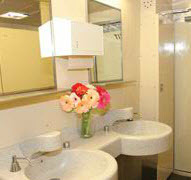 32' Wheelchair Accessible Restroom Trailer-4