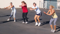 Working out in groups helps to motivate