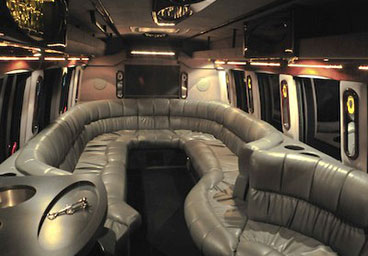 Portland Party Bus Be So Lucky Limousine And Town Car Service