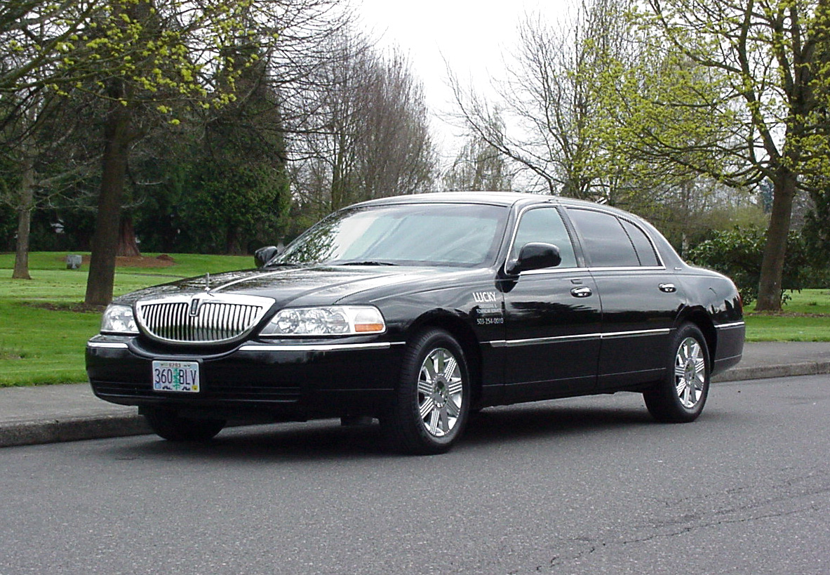 Fleet Portland Limo And Town Car Services Be So Lucky Limousine