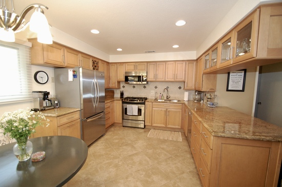 Lovely turn-key condition townhouse to call home! SOLD!