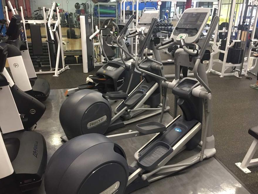 Tour of FaCarpinteria Fitness Gym Tour of Facilities3cilities