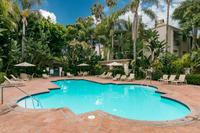 Santa Barbara - One block to the beach