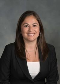 Araceli Nahas, Accountant