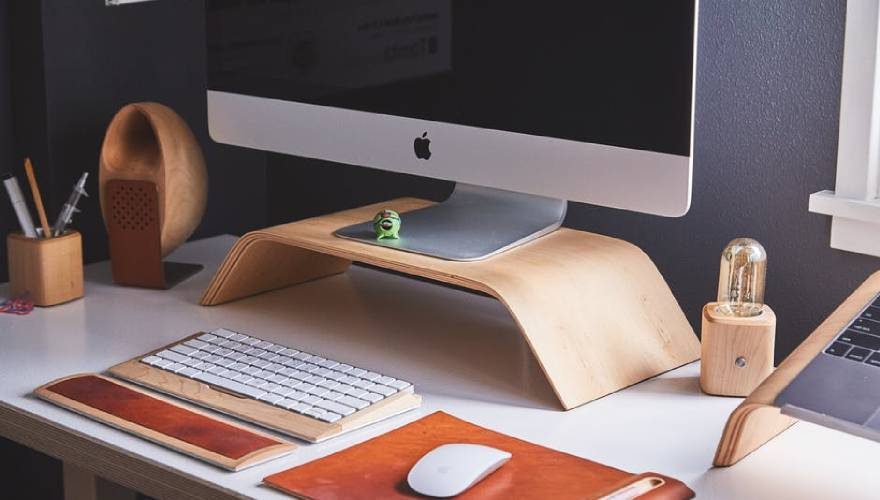 A New Year Plan: Tidy Your Desk AND your Desk Top