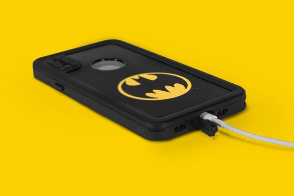 DC Comics Batman iPhone XS Waterproof Case 3