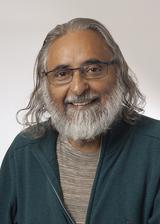 Suresh smile1 2017