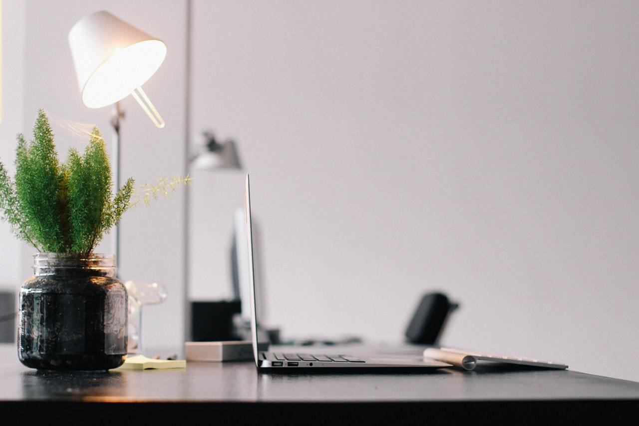 How to Create a Home Office Suitable for Freelancing | Thrive Global