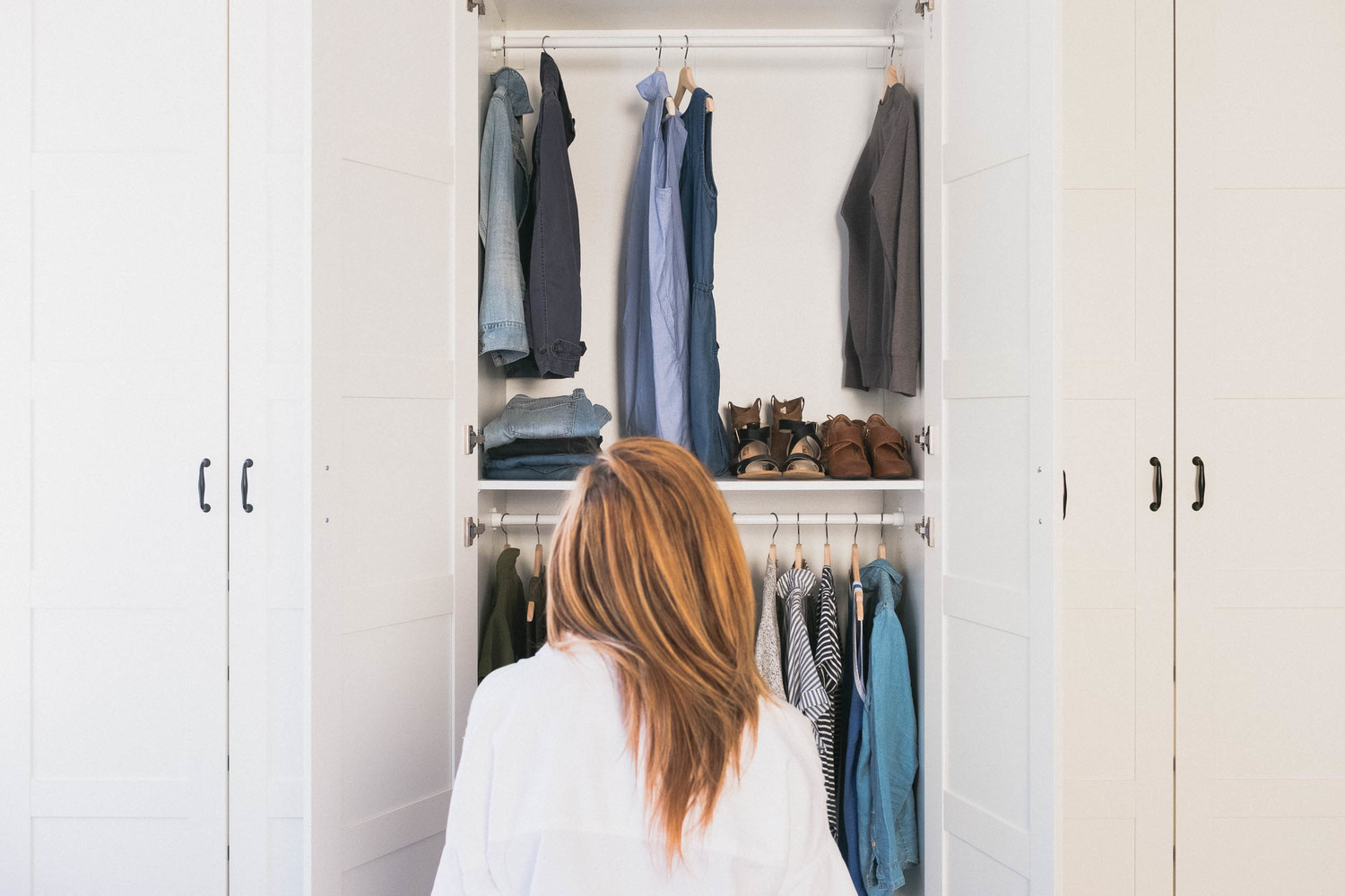 Too much stuff is taking up too much of our lives. & Why I Gave Up a Big Closet \u0026 Created A Capsule Wardobe | Thrive Global