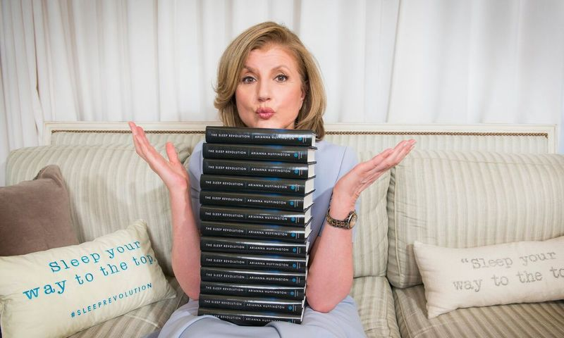 Η Arianna Huffington Σου Δείχνει Πώς Να Κοιμάσαι Καλύτερα