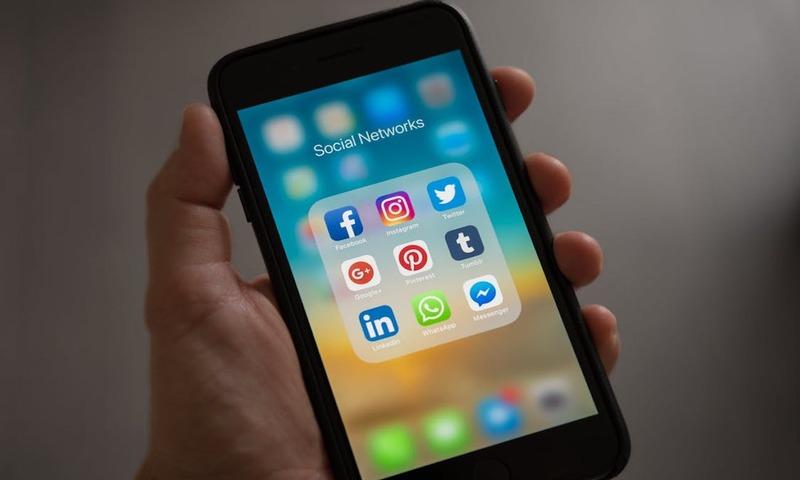 6 Τρόποι Για Μια Πιο Υγιή Σχέση Με Τα Social Media