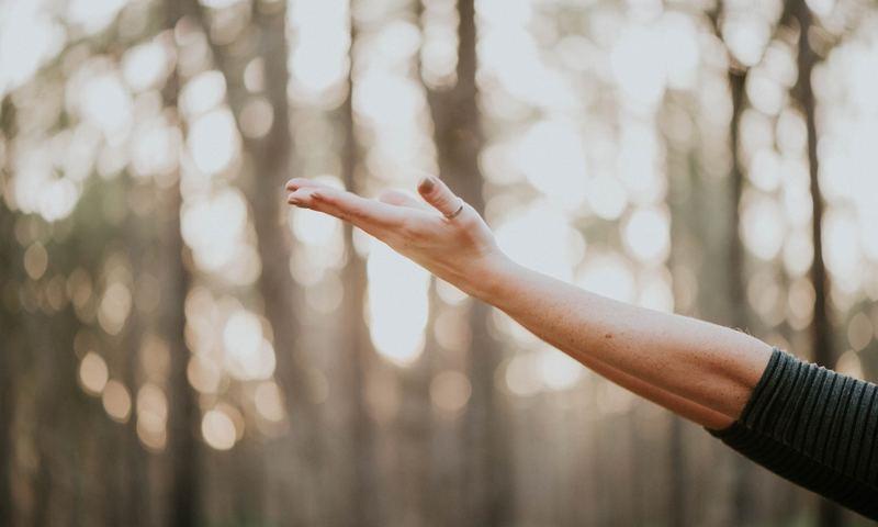 Η Ελληνίδα Ψυχολόγος Από Το Harvard Σου Θυμίζει Την Αξία Της Αυτοφροντίδας