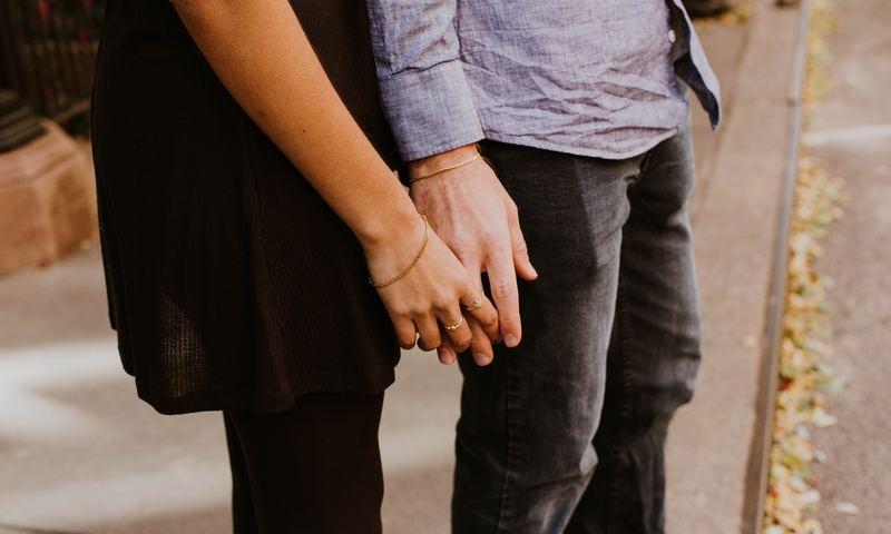 Ένας Κορυφαίος Σεξολόγος Αποκαλύπτει Τη Θετική Πλευρά Της Απιστίας