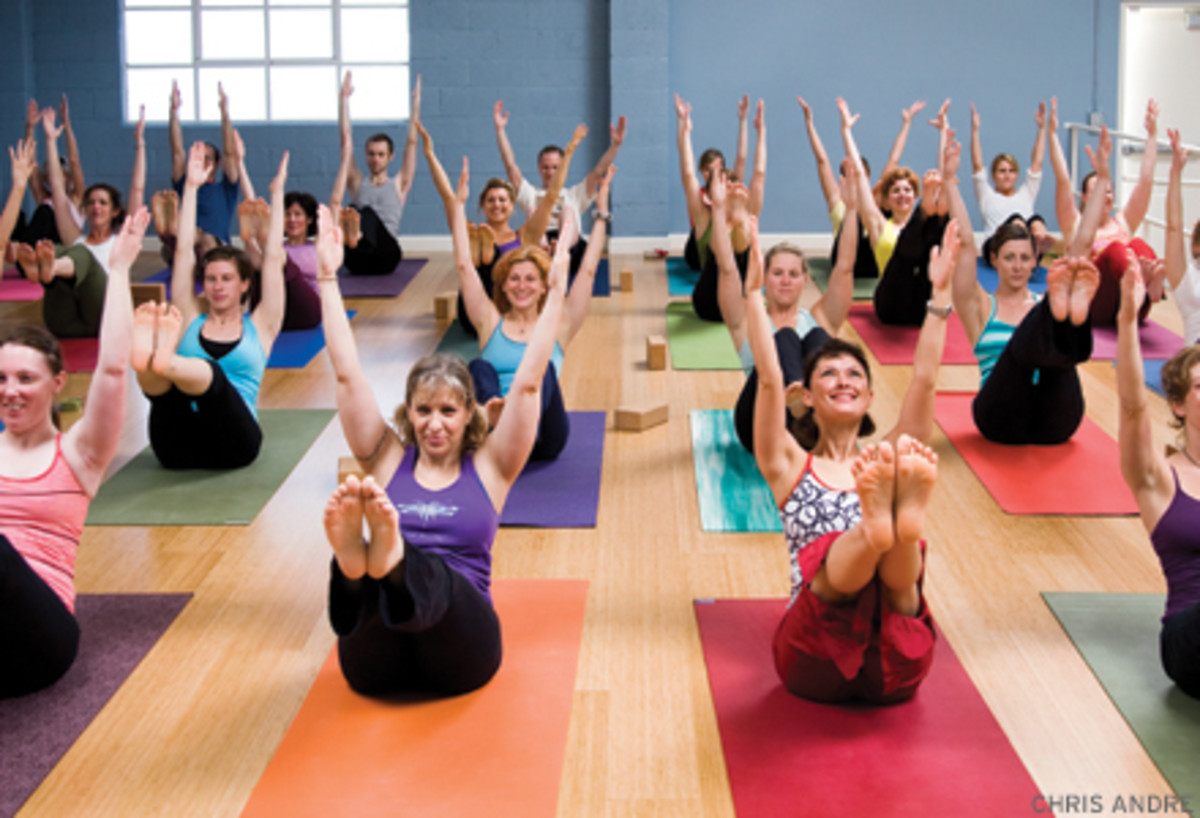 What you should take to the yoga class | Thrive Global