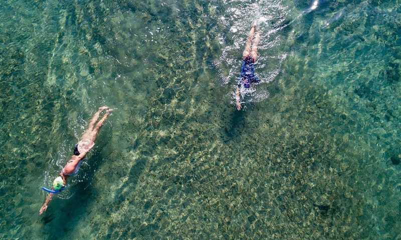 Τι Είναι Καλύτερο; 30 Λεπτά Κολύμπι Ή 30 Λεπτά Τρέξιμο;