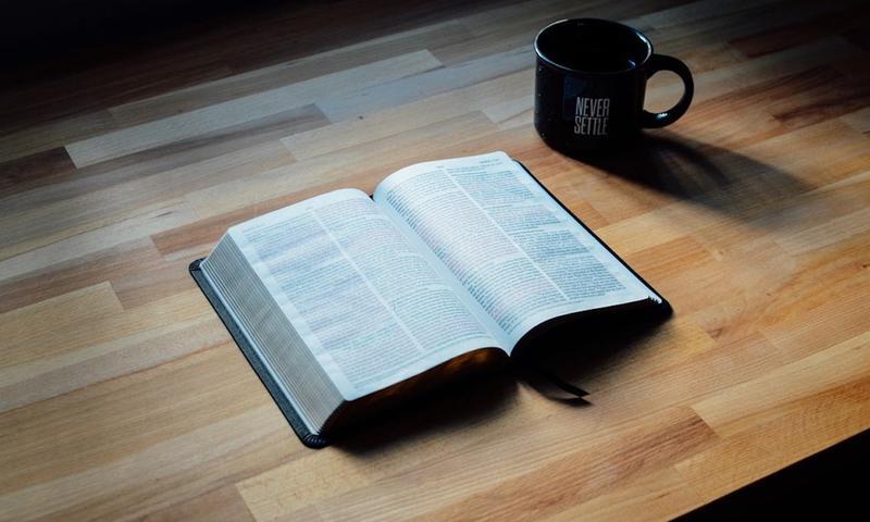 Τι Κοινό Έχει Ένα Βιβλίο Με Τις Διακοπές;