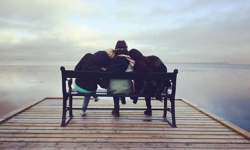 3 Ψυχολογικά Οφέλη Που Σου Χαρίζουν Οι Καλοί Φίλοι