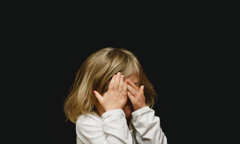 Παιδί Που Γκρινιάζει Αλλάζει;
