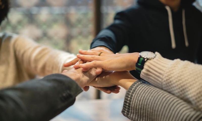 Έρευνα: Τα Οφέλη Του Εθελοντισμού Στη Ζωή Και Τη Δουλειά Σου