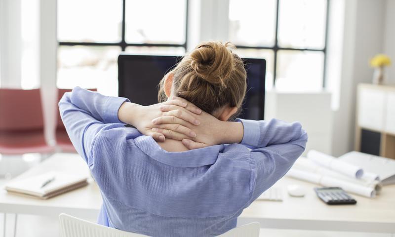 3 Ασκήσεις Για Να Αντιμετωπίσεις Τους Πόνους Στον Αυχένα