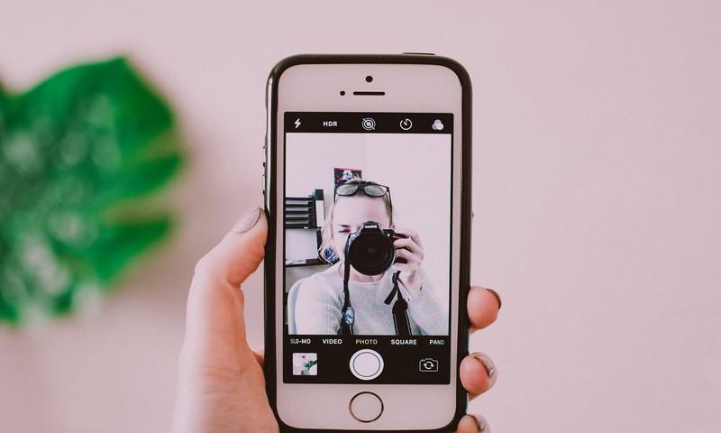 Εμμονική Συμπεριφορά Με Τις Selfies; Τι Μπορεί Να Κρύβεται Πίσω;