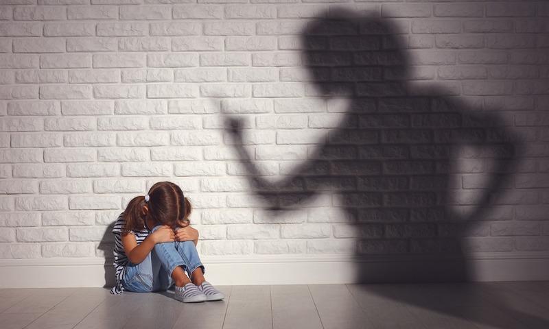 Γιατί Οι Εργαζόμενοι Γονείς Δυσκολεύονται Να Βάλουν Όρια Στα Παιδιά Τους