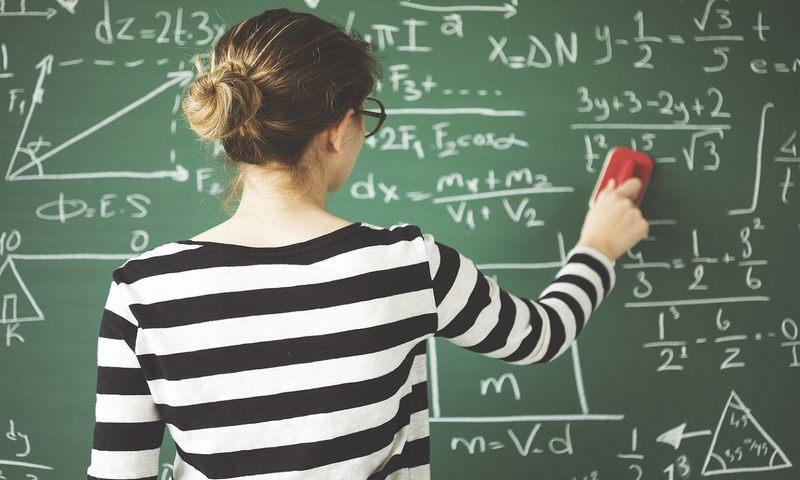 Πώς Να Διδάξεις Στο Παιδί Σου Την Ευγνωμοσύνη Για Τον Δάσκαλό Του