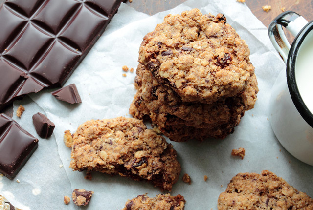 Sugar Free Oatmeal Raisin Chocolate Chip Cookies