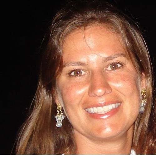 Alessandra Araujo