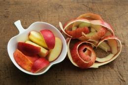 Divani in pelle dagli scarti di mele, un brevetto made in Italy