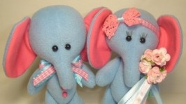 «Влюбленные слонята»