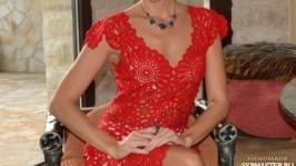 Платье крючкомДевушка в красном