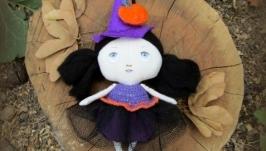 Кукла текстильная маленькая ведьмочка с тыквой (Тильда)