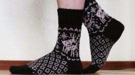 Носки с игривыми оленями