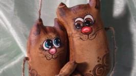 Кофейные влюбленные коты
