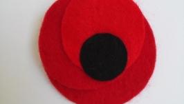 Символом Победы красный мак