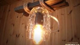 Деревянная подвесная лампа из пивных кружек