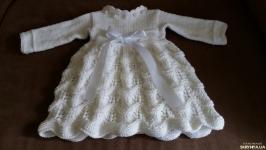 Крестильный комплект ( платье, пинетки, повязка)