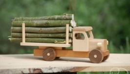 Машина лесовоз