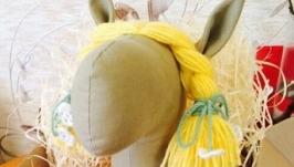Мяка іграшка. Конячка жовта. Ручна робота.