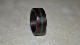 Кольцо из дерева с лазуритом  малахитом.