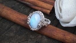 Кольцо Moon Серебро, лунный камень