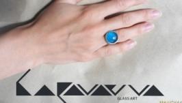 зручні перстені яскравих кольорів опуклої форми зі скла
