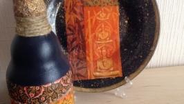 Бутылочка-вазочка и декоративная тарелочка с подставкой