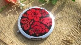 Карманное зеркало с вышивкой Червоне та чорне