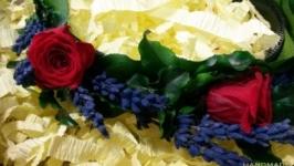 Обруч с живыми розами и лавандой
