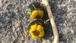 Серьги с цветком