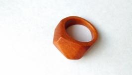 Кольцо граненое - оранжевое.